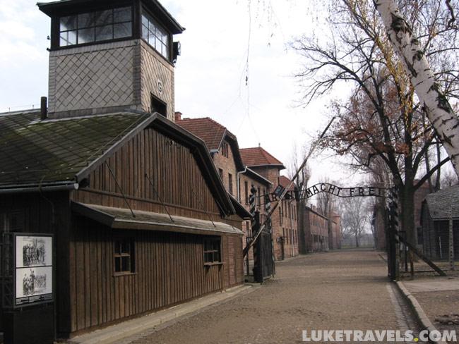 http://www.luketravels.com/auschwitz/photos/luketravels147_4782.jpg